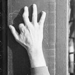 three-finger